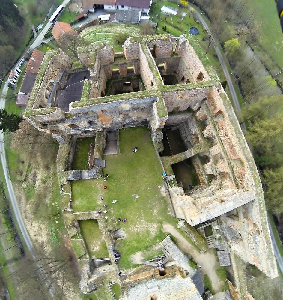 hrad Krakovec z ptačí perspektivy